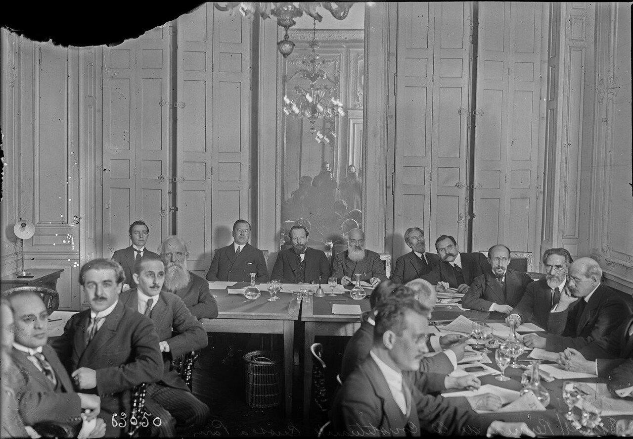 1921. Встреча членов российского Учредительного собрания в Париже. 8 января