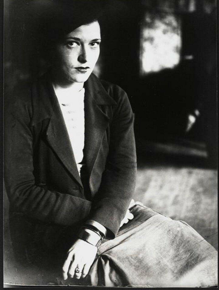 1930. Элизабет Саймон