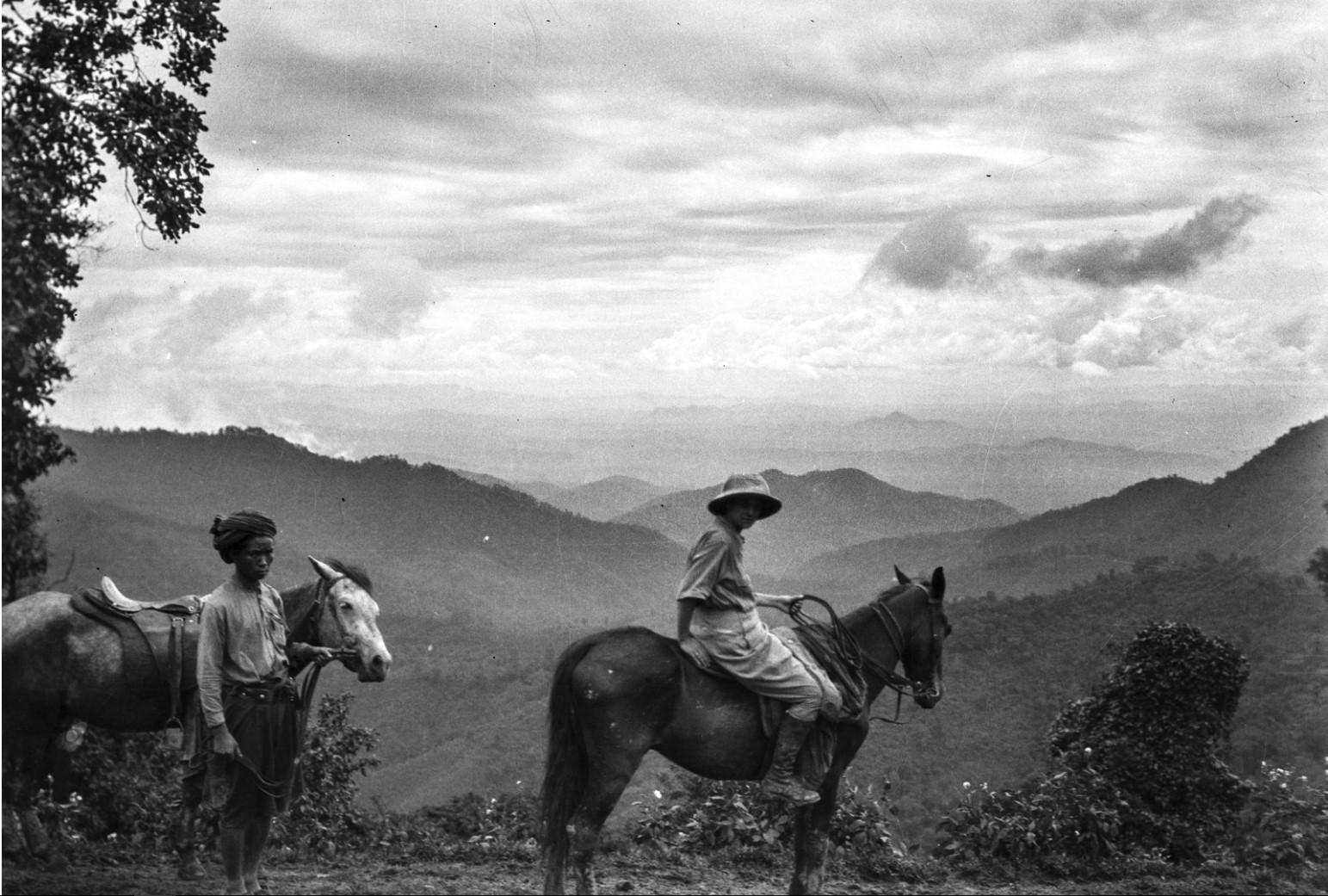 881. Энджо фон Эйкштедт на лошади в горах