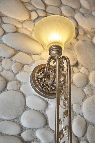 015 коридор холла, светильник, натуральный камень