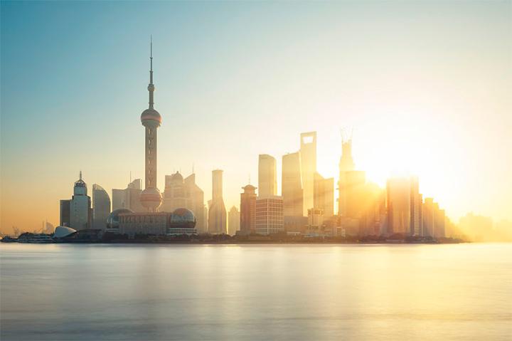 солнце в Шанхае, Китай