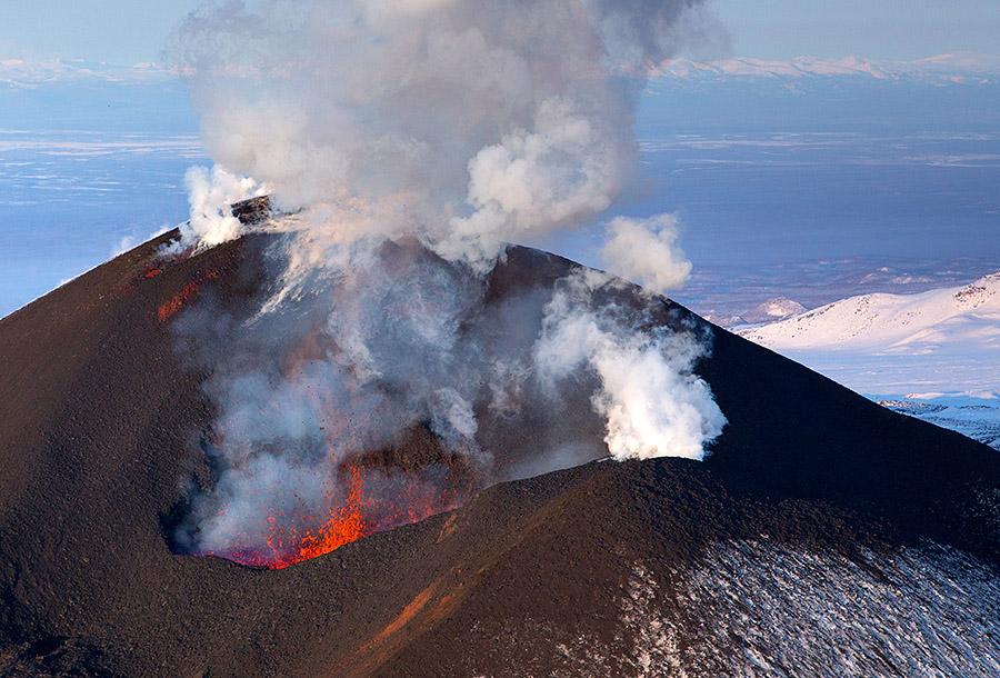 4. «Наряду с радостью от столь мощного извержения, для некоторых, в том числе и меня, была нотк