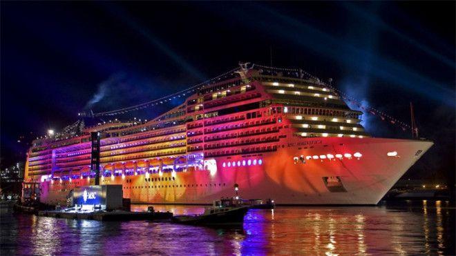 Для самых взыскательных гостей на лайнере предусмотрена VIP-зона с отдельным бассейном, джакузи, бар