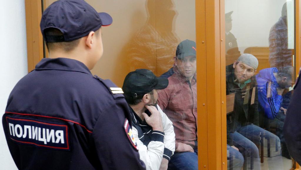 Территория оцеплена ОМОНом: В столицеРФ началось судебное совещание поубийству Немцова
