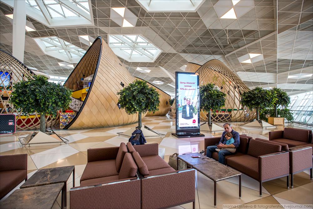 Аэропорт им. Гейдара Алиева, Баку