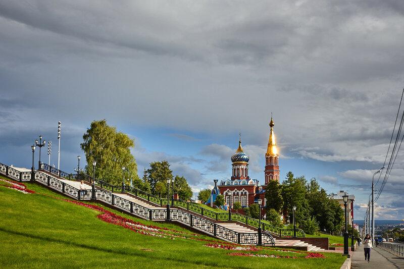 Возле Свято-Михайловского собора