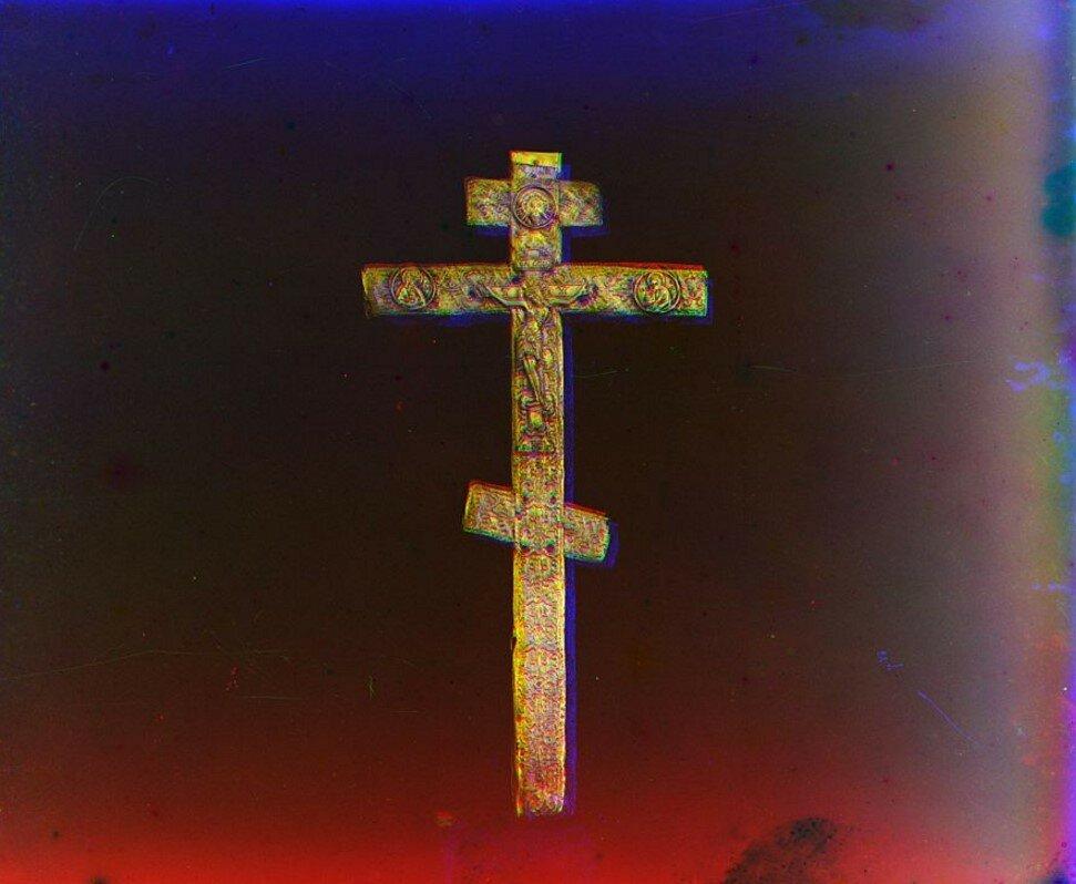 Крест преп. Сергия Радонежского, которым он благословил преп. Федора и Павла на основание Борисоглебского монастыря