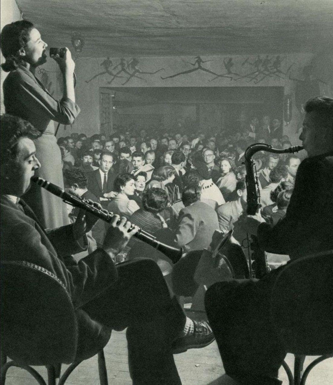 1952. Кабаре «Красная Роза»