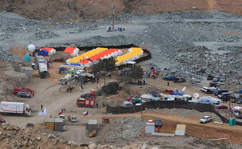 Фото 7 - Палаточный лагерь у шахты Сан-Хосе.jpg