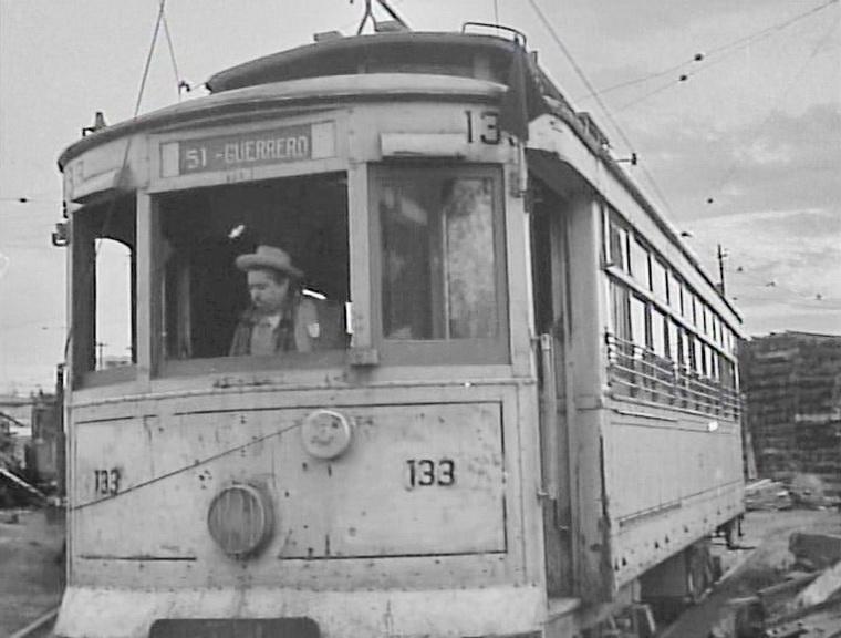 1954 - Иллюзия разъезжает в трамвае (Луис Бунюэль).jpg