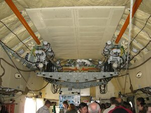 День воздушного флота на аэродроме в Кречевицах - внутри военно-транспортного самолёта ИЛ-76МД