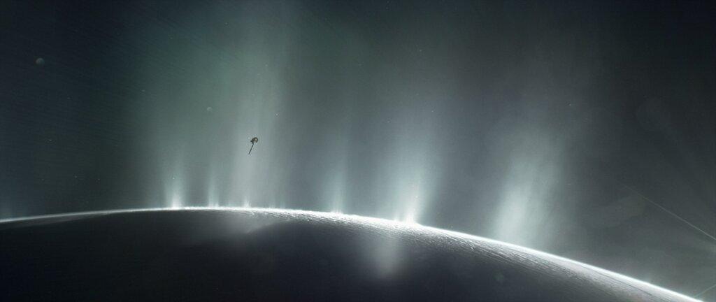 Breakthrough Initiatives изучает возможность отправки частной миссии к Энцеладу
