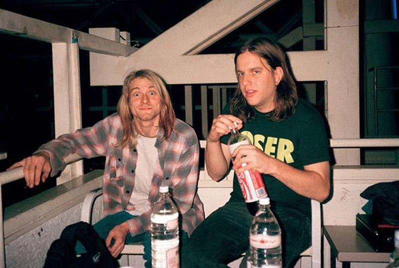 Курт Кобейн и Джонатан Поунмен. «Когда я впервые увидел Nirvana на сцене, Крист и Курт постоянно смо