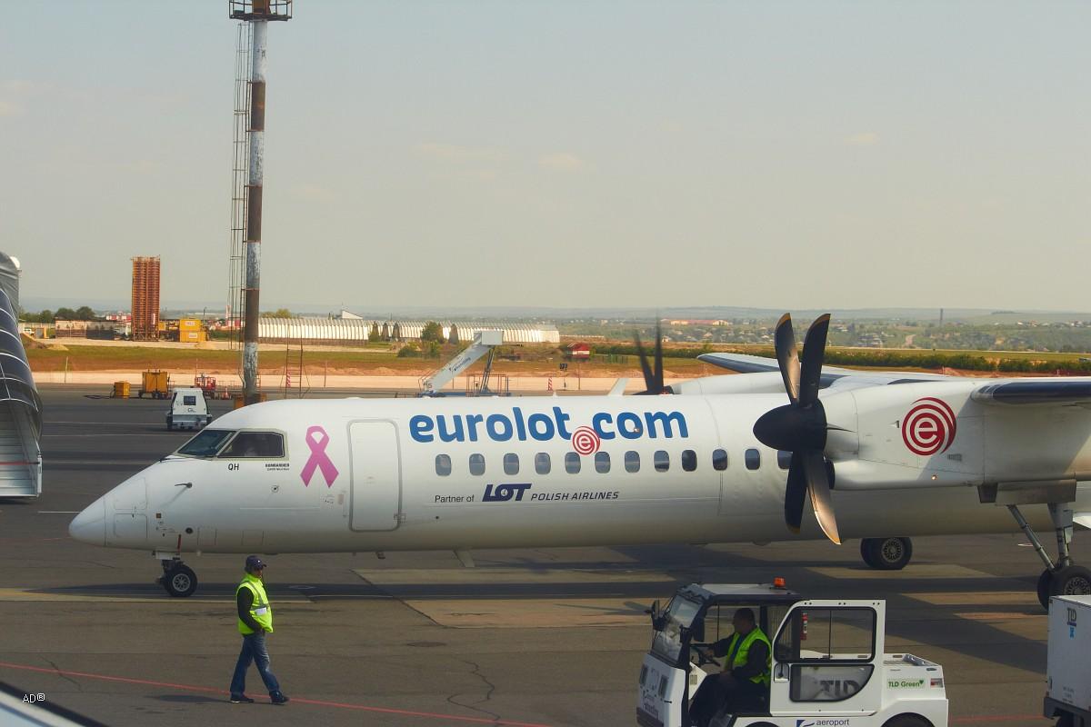 EuroLOT (ЕвроЛОТ) ― польская региональная авиакомпания, базирующаяся в Варшаве