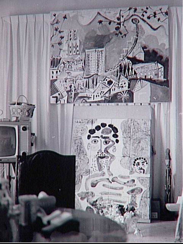 Две работы Пикассо из керамической плитки