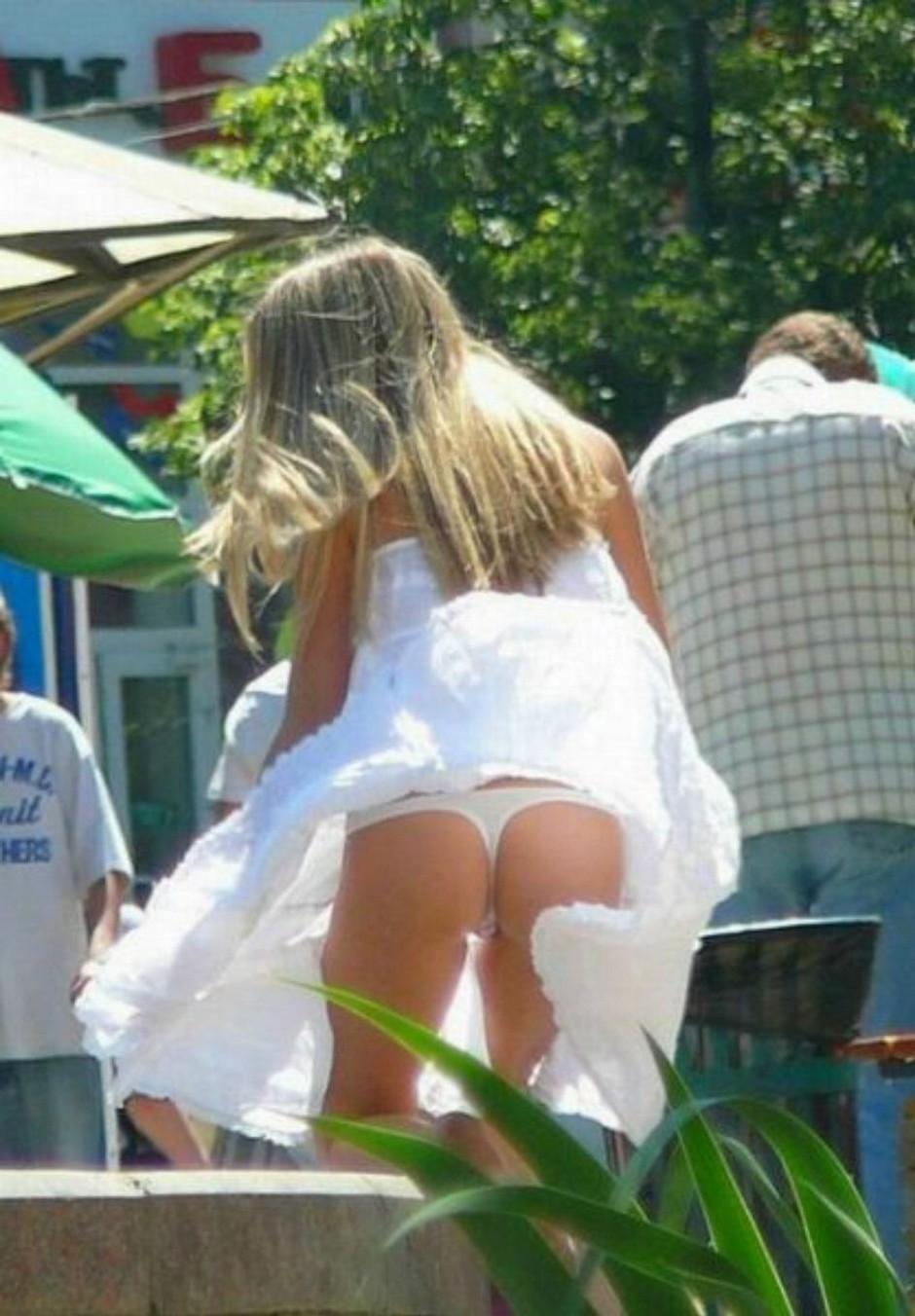 Под юбками фото видео верно!