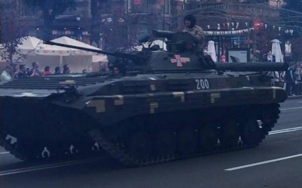 Не тот символ: Мочанов призвал изменить номер БТРа, который должен возглавить парад Дня Независимости