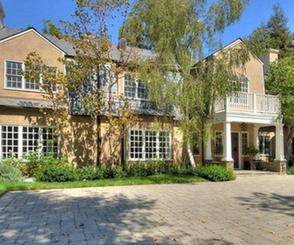Адель приобрела недвижимость в Америке