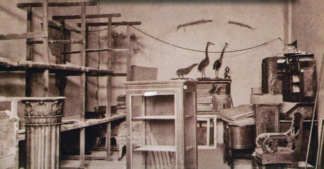 Разграбленная немцами при отступлении из Винницы экспозиция краеведческого музея