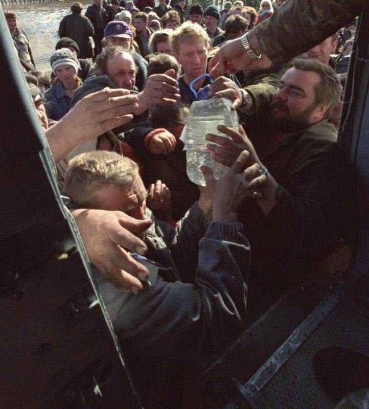 Кепка на бок и глаз золотой. Фотографии Владимира Веленгурина