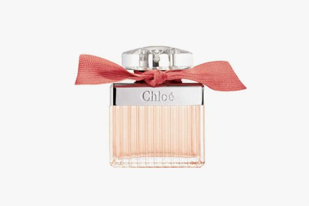 1. MIU MIU ОТMIU MIU Первый аромат марки— истопроцентный успех: ароматы ландыша,розы ижасмин