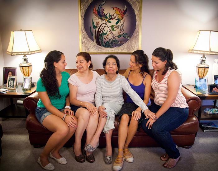 13 Мария с матерью, сестра, тетя и двоюродная сестра. Нью-Джерси