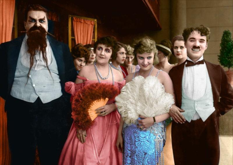 1940-е годы стали очень противоречивыми для Чаплина, и его популярность резко упала. Чарльза об