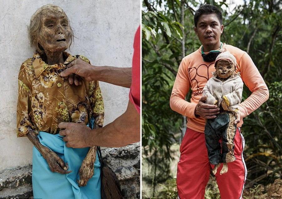 2. На снимке справа: наряженное тело покойницы Нек Тосай. На снимке слева: Ари Титус держит тело сво