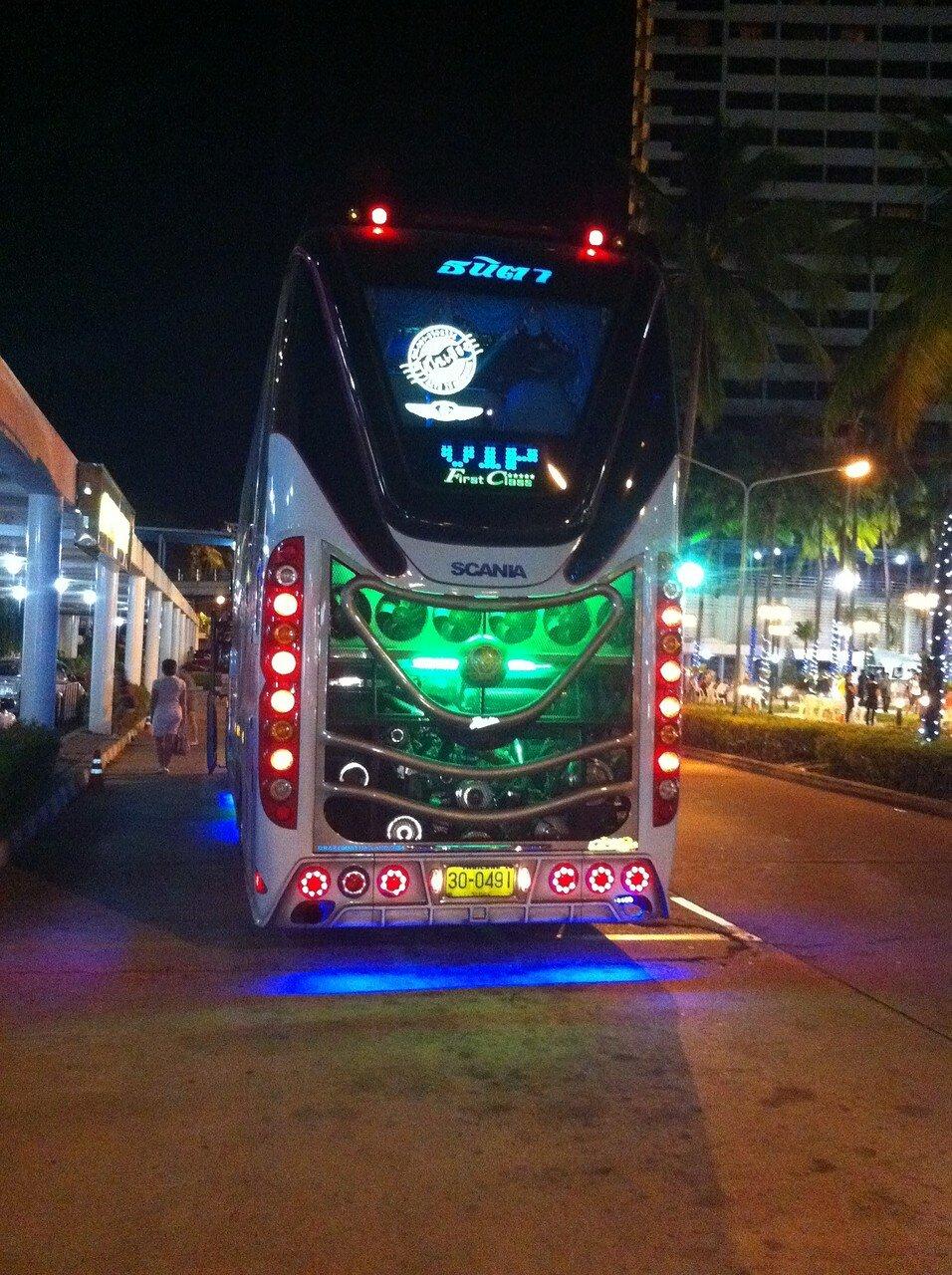 thai-bus-_1171.JPG