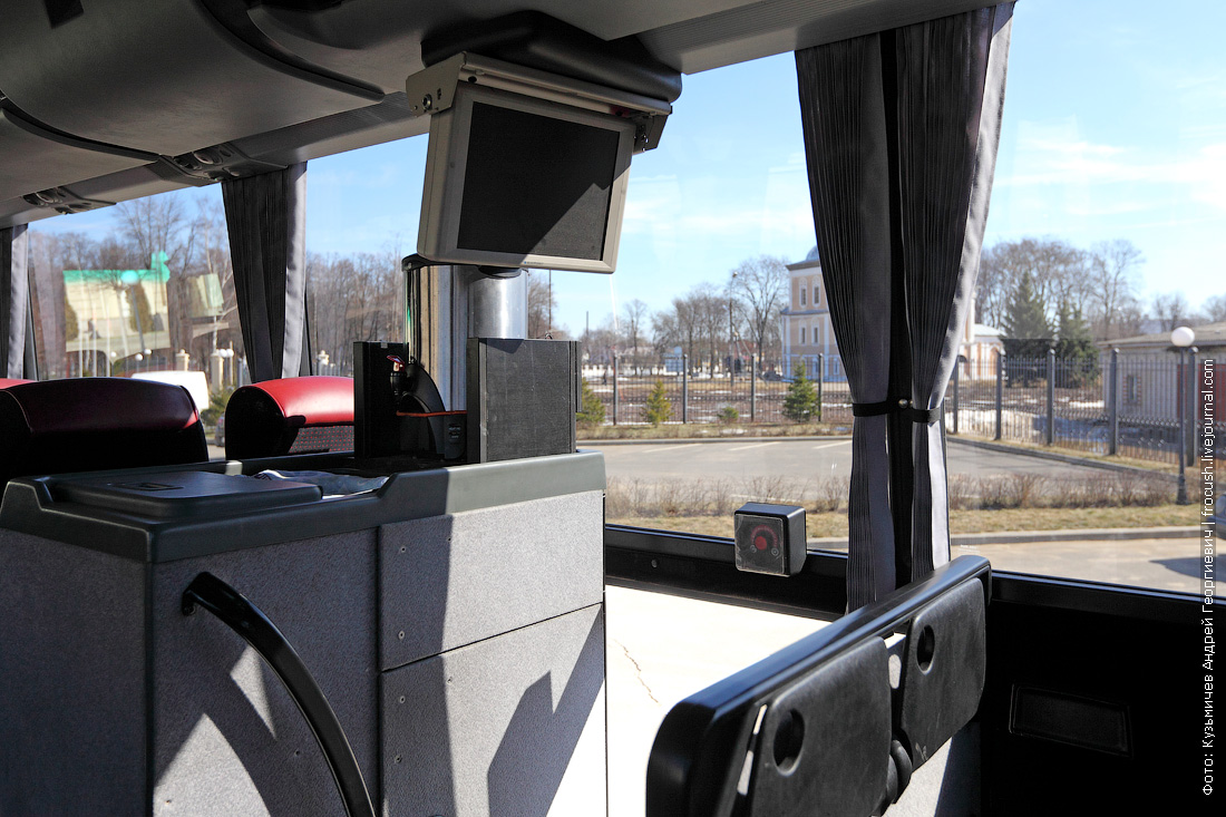 салон автобуса Bova ЖК-панель