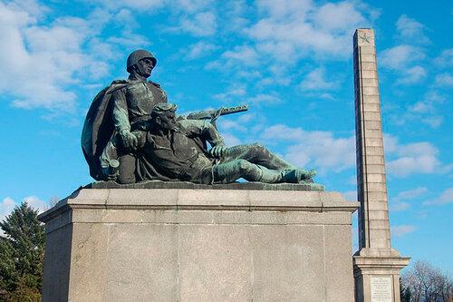 В Польше демонтируют 500 советских памятников
