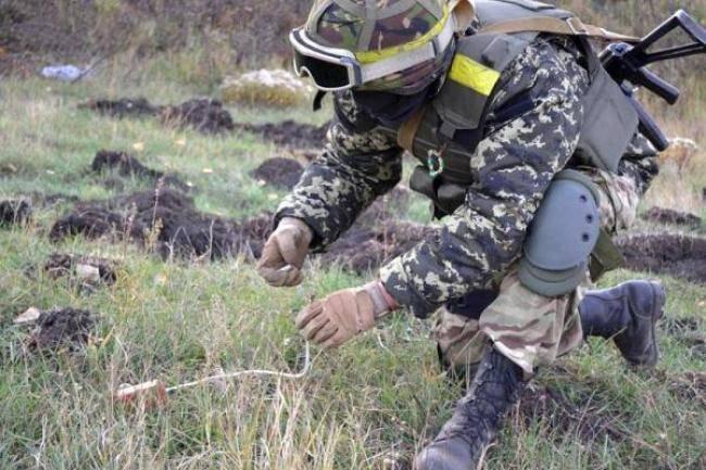 С начала АТО военные саперы обезвредили более 122 тысяч минно-взрывных устройств в зоне боевых действий, - Минобороны