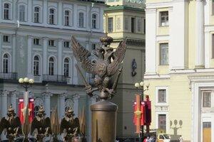 Достопримечательности Санкт-Петербурга: элементы Александровской колонны