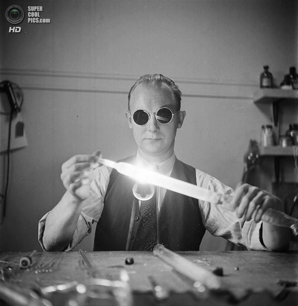 США. Нью-Йорк. 1948 год. В лаборатории Колумбийского университета города Нью-Йорка. (V&M/Look/St