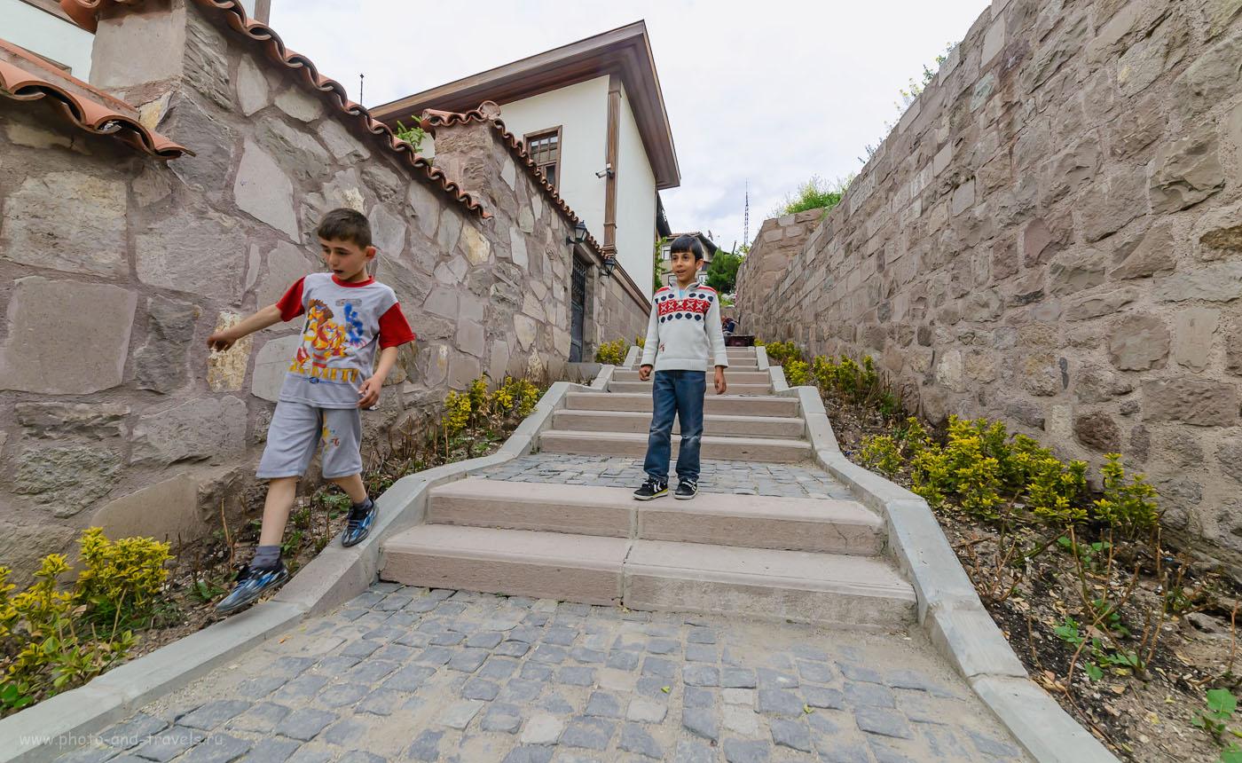 Фото 24. Турецкие мальчишки в замке. Как доехать в Анкару и что там посмотреть. Отзывы туристов из России. 1/320, 8.0, 1600, 14.