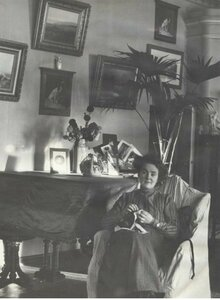 Портрет Веры Шуваловой в кресле