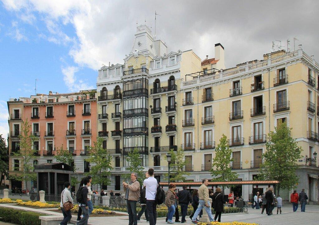 Мадрид. Восточная площадь (Plaza de Oriente)