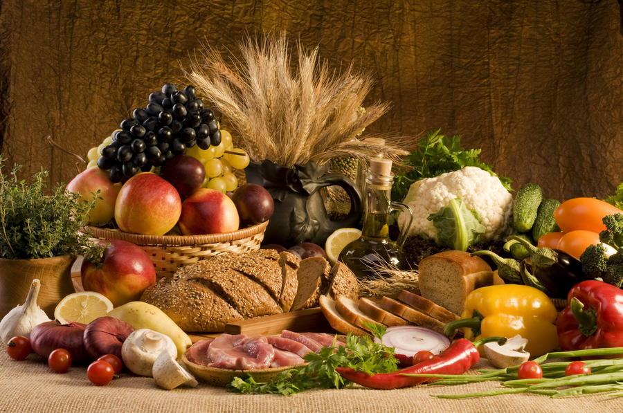 6. Употребление пищи перед сном непременно приведёт к увеличению массы тела. Да, на самом деле есть