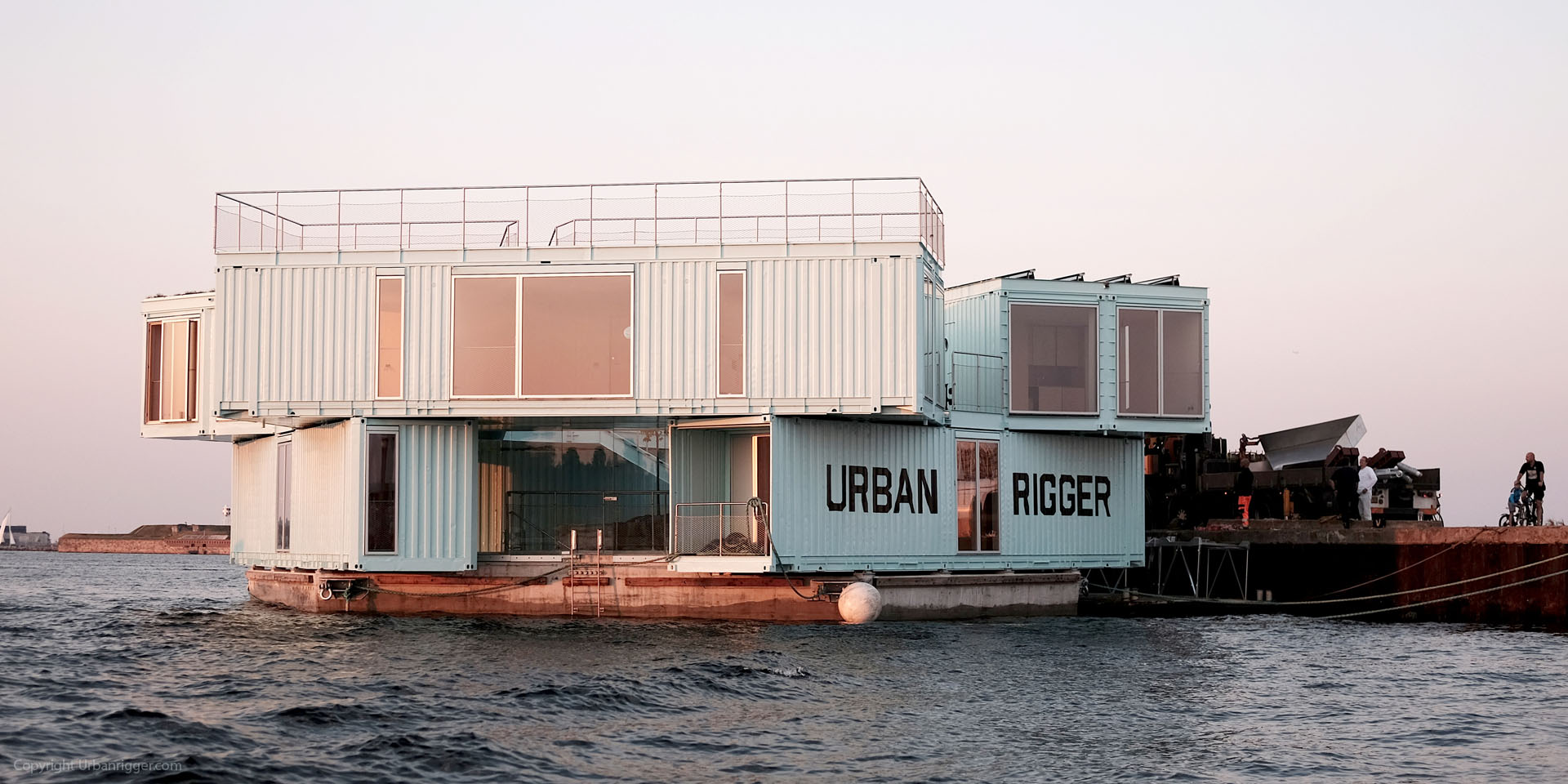 Студенческий кампус из контейнеров в Копенгагене (14 фото)