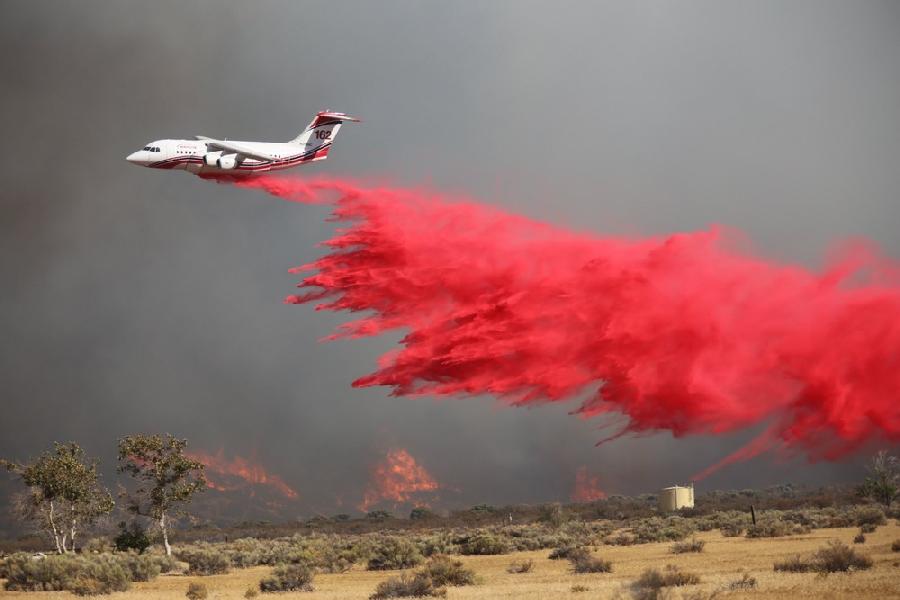 Очередной крупный пожар в Калифорнии (12 фото)