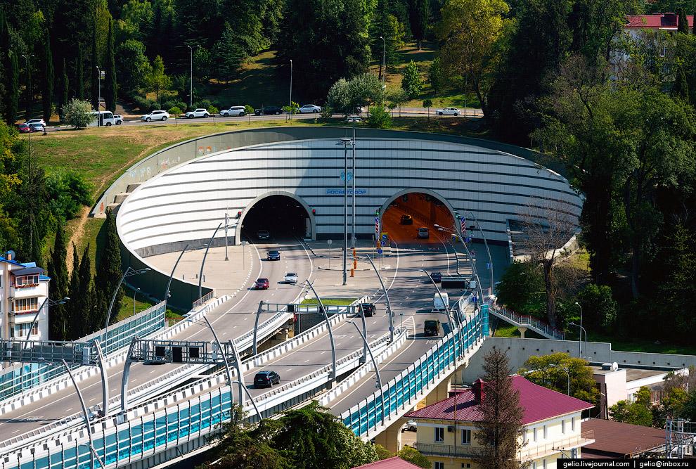 33. Олимпийский парк. Один из главных объектов зимних Олимпийских игр 2014 года в Сочи располож