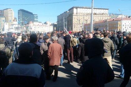 Силовики начали разгонять митинг против коррупции в столице