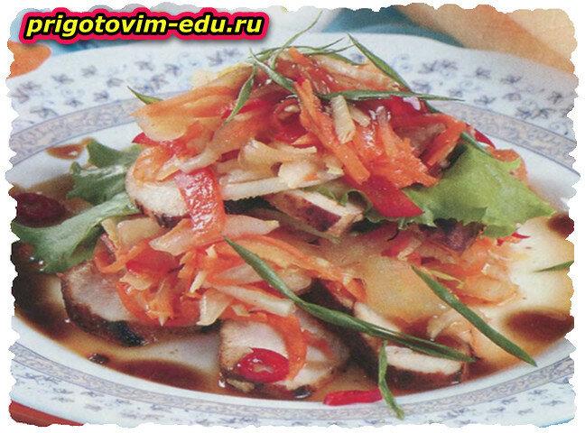 Острый китайский салат с ростками сои