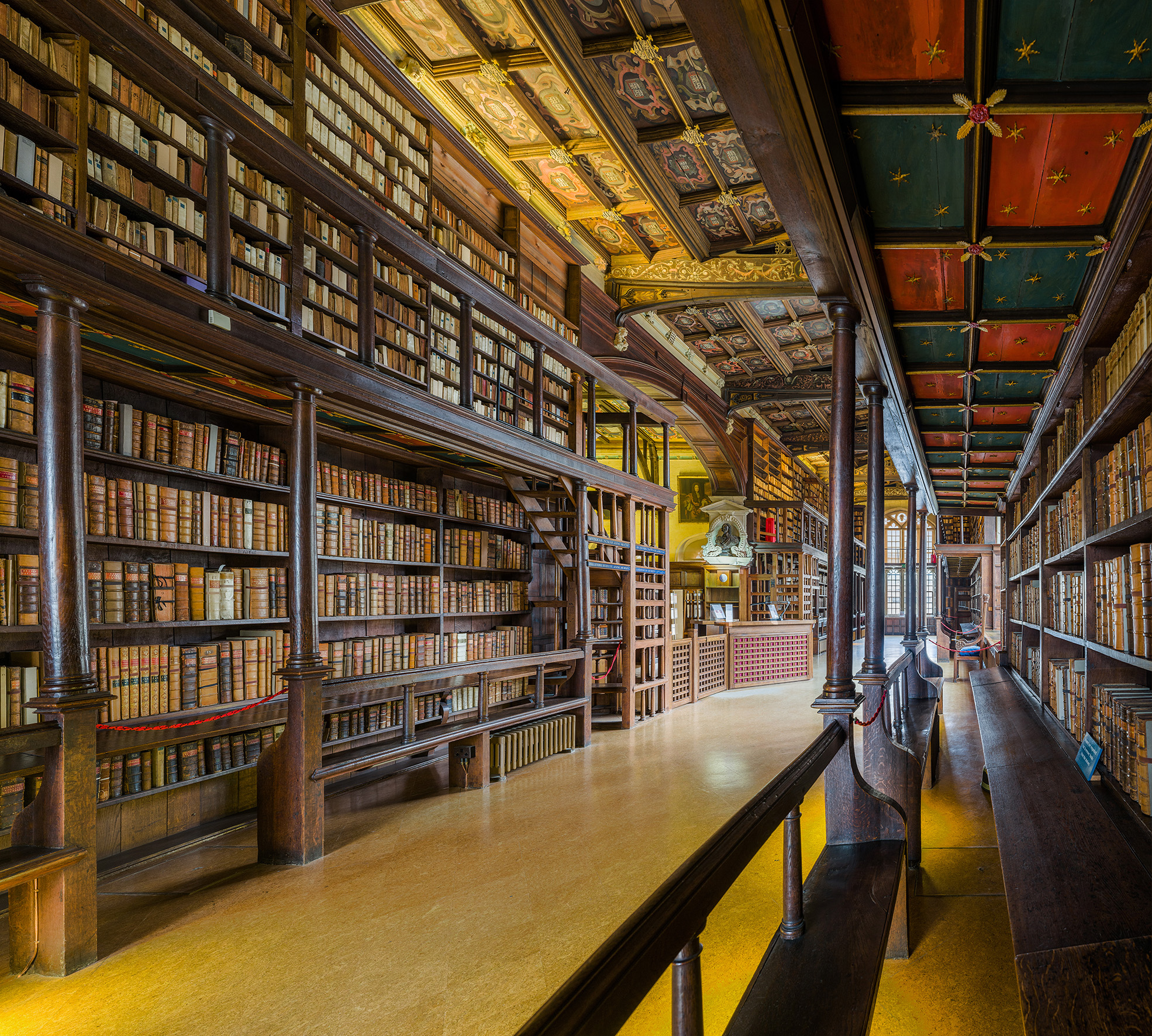 Stunning Pictures of the Oxford Library