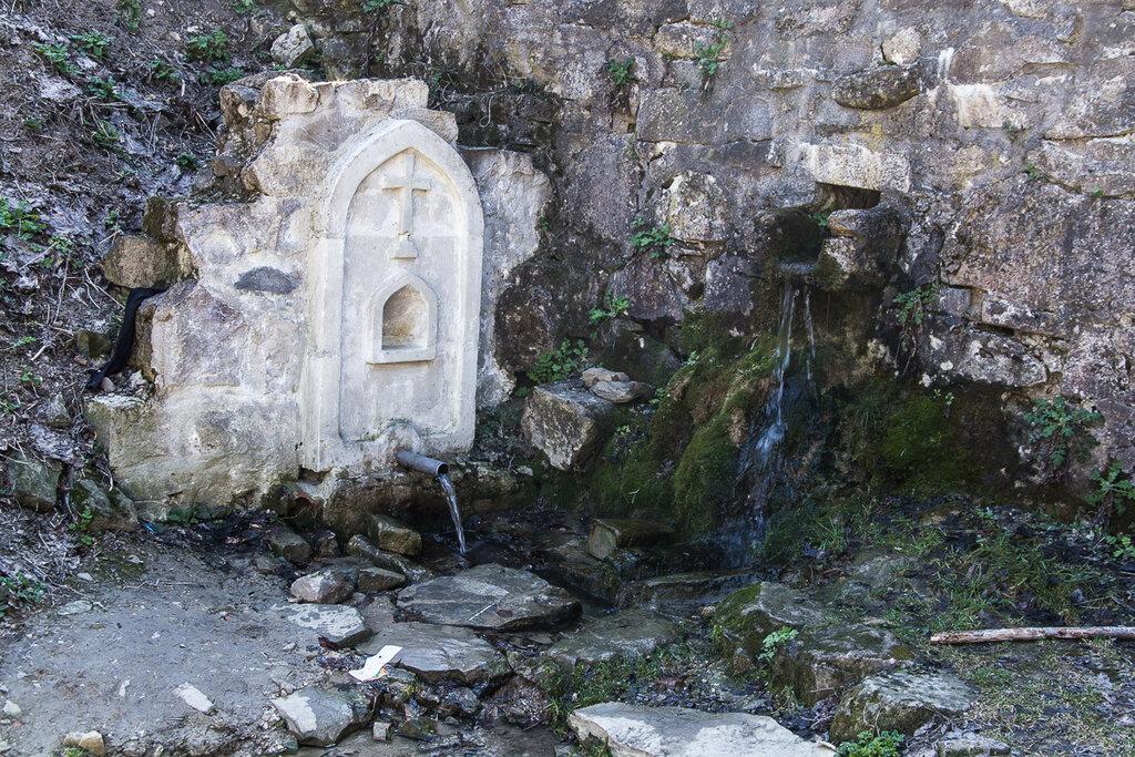 Святой источник в монастыре Сурб-Хач