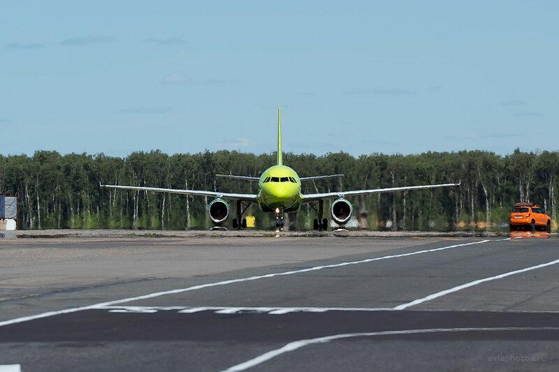Airbus A319-114 (VP-BTW) S7 D808545