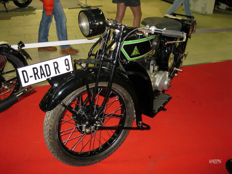 Мотосалон IMIS-2012 в «Гарден Сити». Ретро зона. Немецкий мотоцикл D-Rad R9.