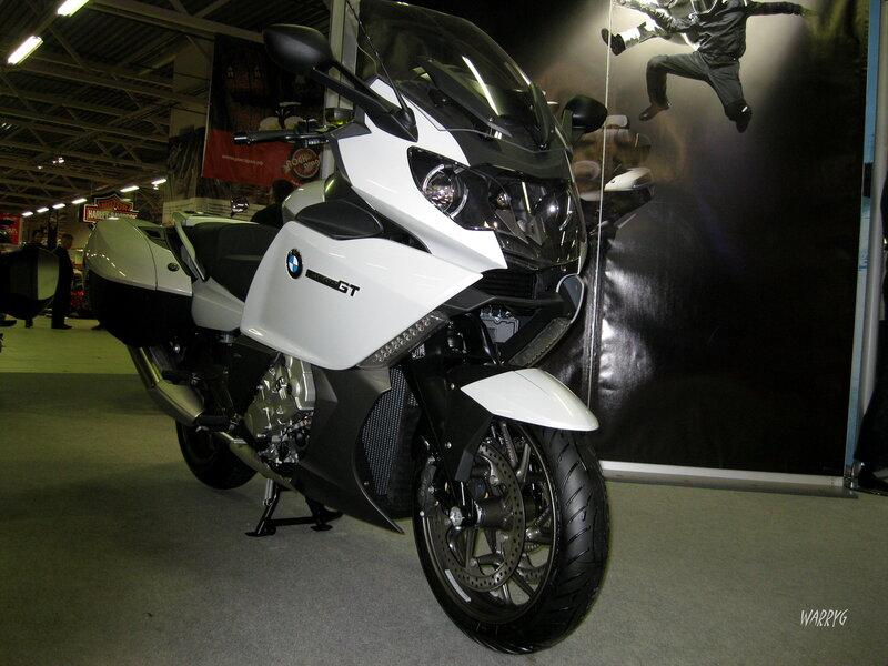Мотосалон IMIS-2012 в «Гарден Сити». Мотоцикл BMW K 1600 GT.