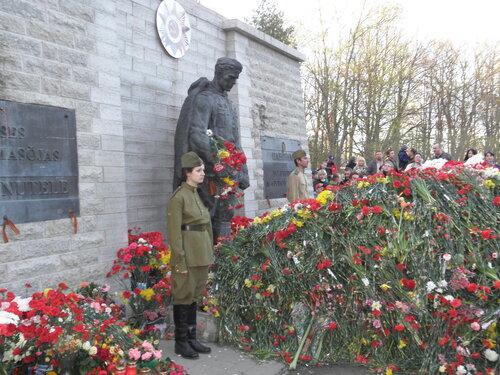 День Победы Таллин 2012