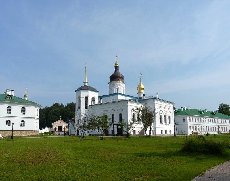 Спасо-Елеазаровский монастырь (август 2010)